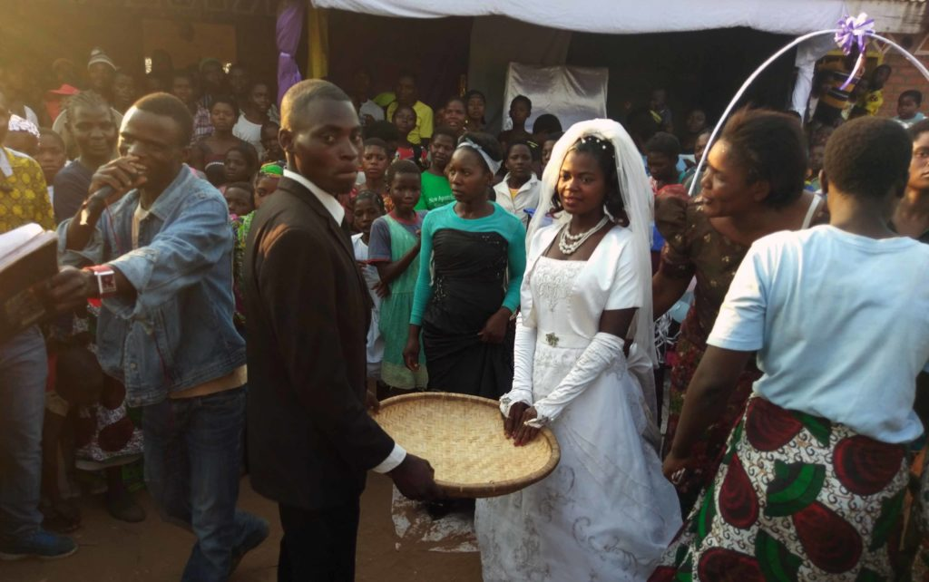 This is how a wedding in Malawi looks like. On the picture you can see the groom and the bride.
